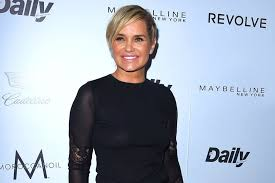 yolanda foster new hairstyle yolanda foster slams former rhobh co stars all things real