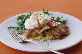 cuisine hollandaise potato rosti with smoked salmon egg and hollandaise