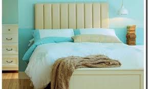 chambre bleu marine deco chambre bleu canard beautiful et beige newsindo co