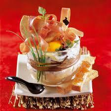 cuisiner foie gras recette des oeufs cocotte au jambon cru et au foie gras magicmaman com