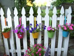 Diy Hanging Planter by Creative Diy Hanging Flower Planter Pot Holders On A Fence Painted
