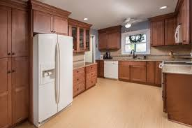 how to clean the kitchen cabinets kitchen visualizer fabuwood cabinetry