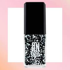 new years glitter dresses nail and manicure tips trends