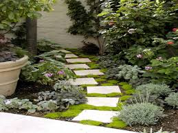 Small Garden Paving Ideas by Best Pavers For Walkway Small Garden Pathway Ideas Garden Paving