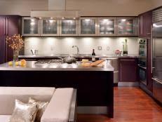 Under Cabinet Lighting Video HGTV - Lights for under cabinets in kitchen