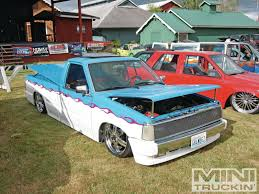 bagged nissan 720 low down truck show photo u0026 image gallery