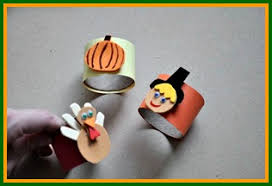 easy thanksgiving craft toilet paper rolls into napkin rings