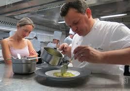 cours cuisine chef étoilé cours et stages de cuisine un cours de cuisine trois étoiles chez