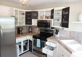 Diy Painting Kitchen Cabinets Livelovediy Creative Ways To Update Your Kitchen Using Paint