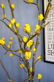 Easter Decorations For A Small Tree by Best 25 Easter Tree Ideas On Pinterest Easter Holidays 2015