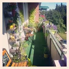 balkon dekorieren stop langer balkon and smell the roses happiness is only rule