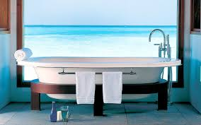 10 of the best bathtubs on earth that are totally worth traveling
