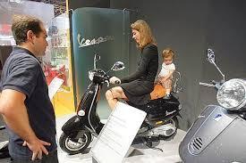 siege bebe scooter dis maman tu m emmènes à l école en scooter