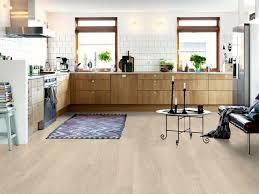 vinyle cuisine sol vinyle et pvc pour toute la maison côté maison