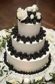 wedding cake nottingham blackberry wedding cake by cakes nottingham cakes