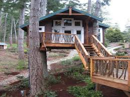 Simple Backyard Tree Houses by 322 Best My Dream Treehouse Images On Pinterest Treehouses Tiny