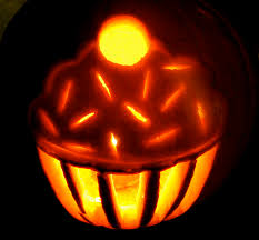 Halloween Pumpkin Lantern - video how to carve a cupcake jack o lantern diy cupcake pumpkin