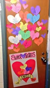 Valentine Front Door Decoration Ideas by This Door Decoration Is Awesome You Can Get Creative And Make A
