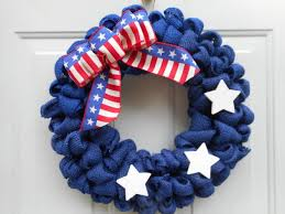 patriotic handmade 4th of july wreaths that you can easily make by