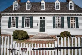 free stock photo of colonial house with white fence in yorktown