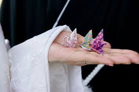 japanese unity ceremony folding 1 000 wedding paper cranes