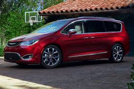 chrysler pacifica reviews research new u0026 used models motor trend