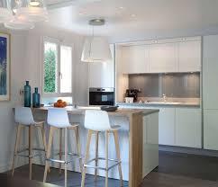 plinthe sous meuble cuisine plinthe pour cuisine amnage amazing meuble haut de cuisine