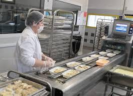 la cuisine valence education a la cuisine centrale 10 d élèves en moins et