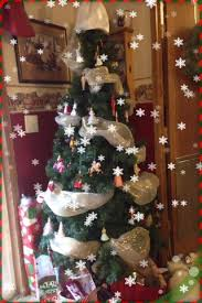 12 ways to use deco mesh in your christmas decor going jane