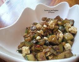 cuisiner l aubergine à la poele poêlée de courgettes et aubergine à la féta paperblog
