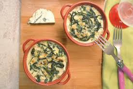 cuisiner blette cocottes de blettes à la crème de bleu gratin blettes blette et