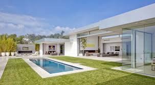 spectacular modern house with courtyard swimming pool pics with