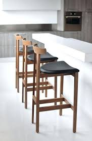 Oak Bar Table Stunning Outdoor Bar Stools Traditional Por And Shaker Style On