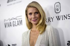 Gwyneth Paltrow Gwyneth Paltrow Receives Touching Note From Flight Attendant About
