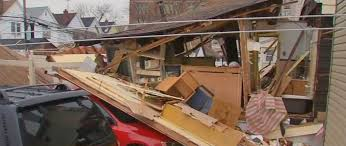new york on thanksgiving gas explosion in ozone park new york queens causes a collapse