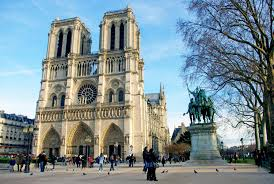no christmas tree in front of notre dame cathedral this year