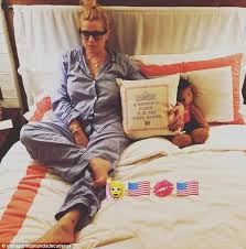 hillary clinton s childhood hillary clinton s message to tv presenter and ex wild child amanda