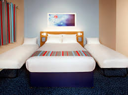London Euston Hotel Hotels Near London Euston Travelodge - London hotels family room