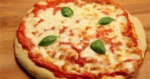 cuisiner une pizza recette pizza margherita en vidéo