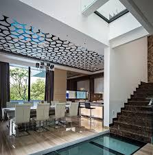 deckengestaltung flur beispiele für moderne deckengestaltung ein luxushaus in jakarta