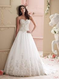 find a wedding dress the wedding dress wedding corners