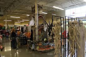 Halloween Alien Decorations by Spirit Halloween 2016 Cheap Outdoor Halloween Decorations