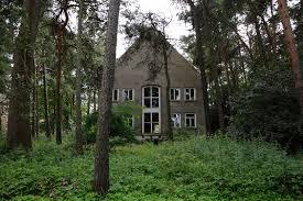 Das Haus Im Haus Das Haus Im Wald Iii Foto U0026 Bild Architektur Lost Places