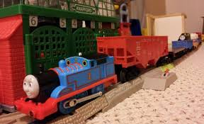 thomas tank engine pulls lionel train train sounds