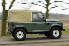 land rover discovery soft top land rover defender soft top classic histoire de prix ou prix de