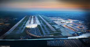 gatwick airport bureau de change gatwick airport bosses unveil 9bn plan for second runway that