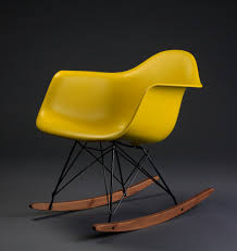 charles eames rocking chair rar by vitra designclassic in