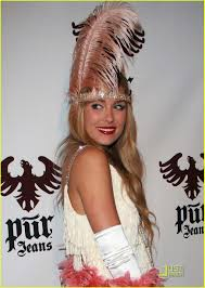 lauren conrad halloween party lauren conrad u0027s flirtatious feathers photo 1520511 lauren