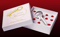 geschenkideen 1 hochzeitstag schlüssel zum herzen romantisches geschenk zum hochzeitstag oder