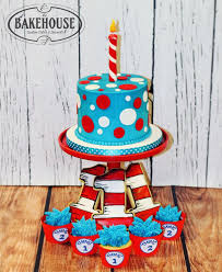 dr seuss birthday ideas dr seuss birthday cake best 25 dr seuss cake ideas on dr